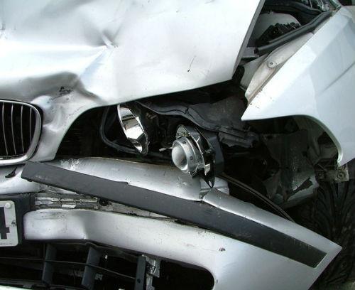 crash-car-1-1180905-640x480